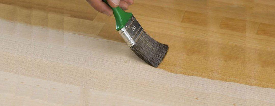 Wie man das Möbel richtig neu streichen kann