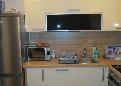 Acrylic Kitchens (17)