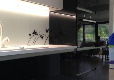 Acrylic Kitchens (27)