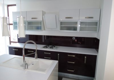 Acrylic Kitchens (49)